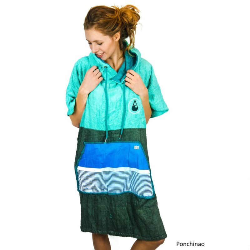 Wave Hawaii Beach Poncho Bamboo